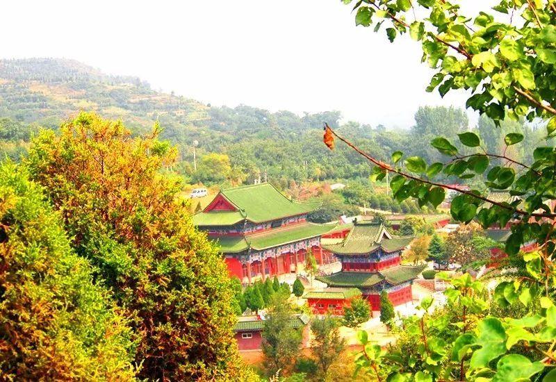 名称:樱桃沟风景区 地址:郑州市二七区上李河社区 交通:乘坐4路,187