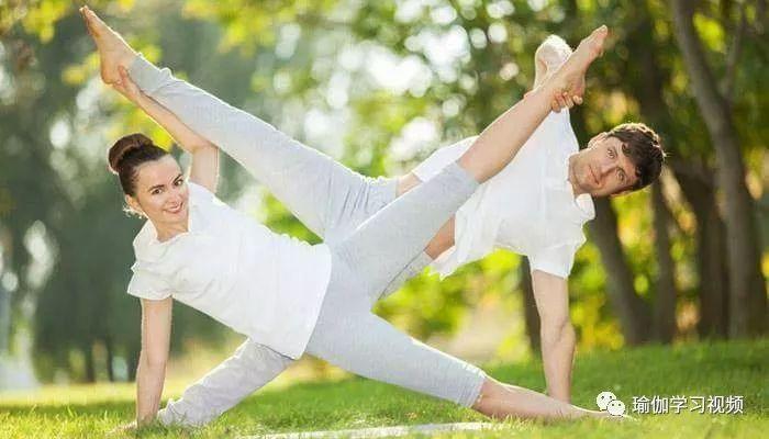 瑜伽好友一起出游,拍照怎么凹造型?圖片