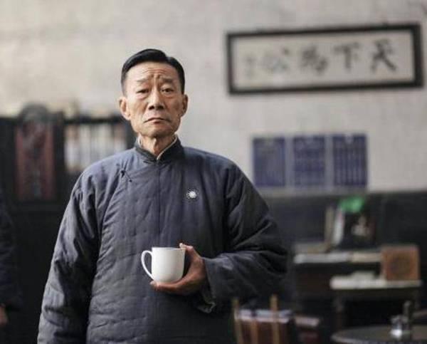 中国农村老头考�:`�9��_他出身农村是中国最大牌男演员,却低调而朴素