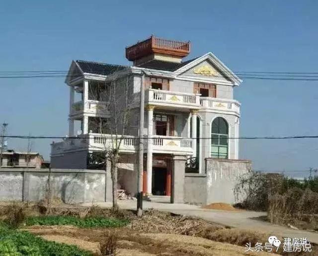 农村自建别墅很多,这十栋超级经典大气,看了也想回农村