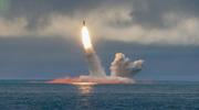 俄罗斯试射两款潜射弹道导弹