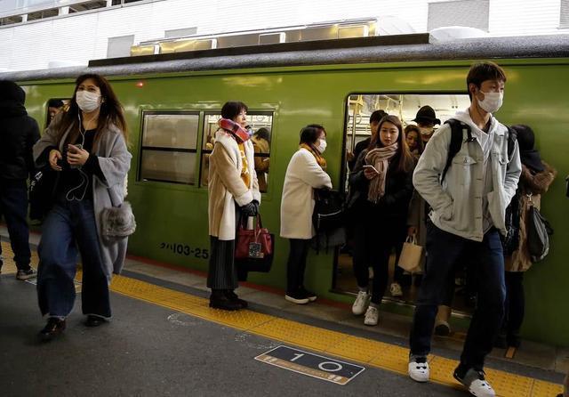 疫情升级全国多城市不戴口罩将被拒载 南京深圳成都天津领衔