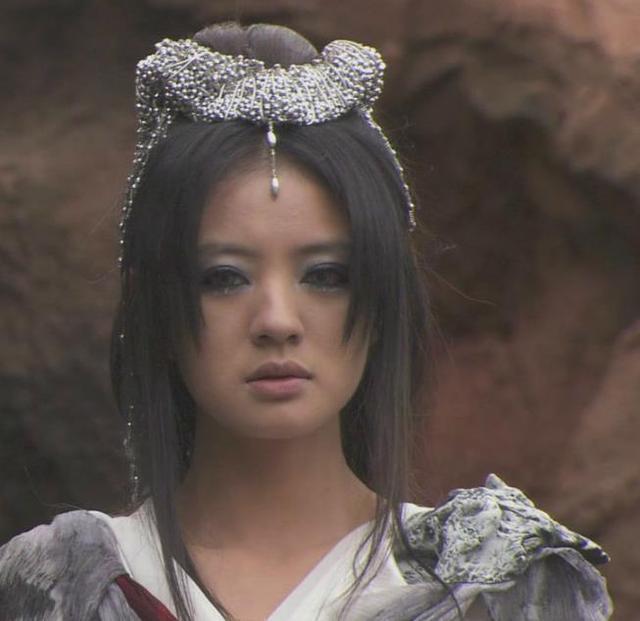 《追鱼传说》【红绫】——赵丽颖(当红演员)-同样是浓妆艳抹,图片