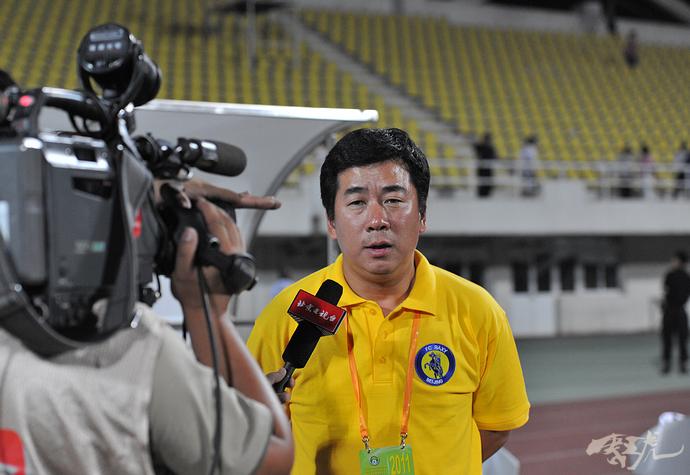 曹限东(退役足球运动员)