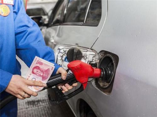 60碼時速「最省油」?專家:怪不得你油耗高,按這個數才經濟! 汽車 第1張