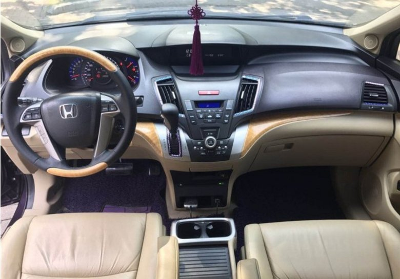 Friends want to change a MPV, see the appearance of the move, it is too beautiful to see the interior decoration.