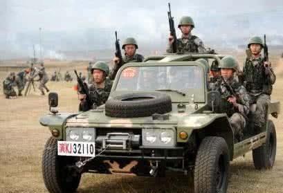 浅谈我国第一代伞兵车LYT2021型伞兵突击车