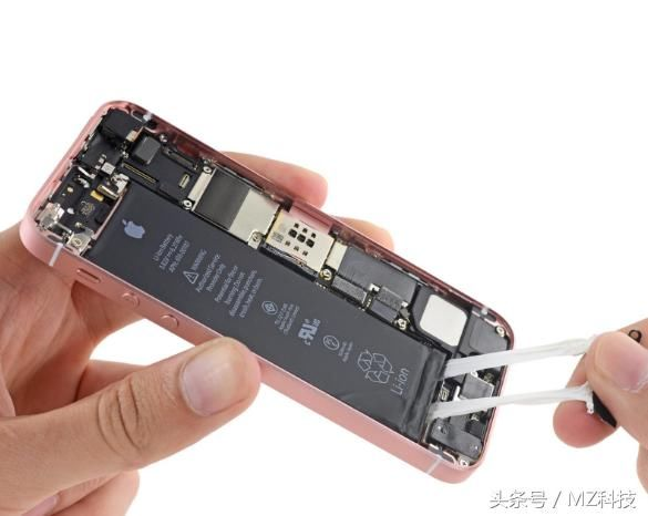 当您看到提示iPhone的电池需要进行维修,恭