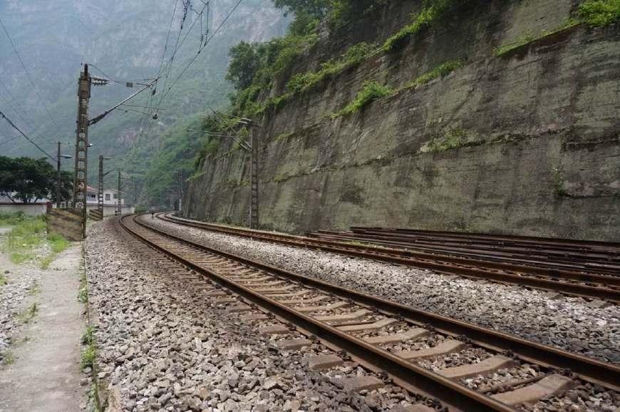 四川第二大城市,人口超700万,仅次于成都,却至今未通高铁