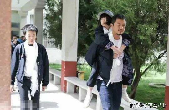 亚虎娱乐官网:窦靖童不喜欢谢霆锋,三年前就离开家独自在外租房住
