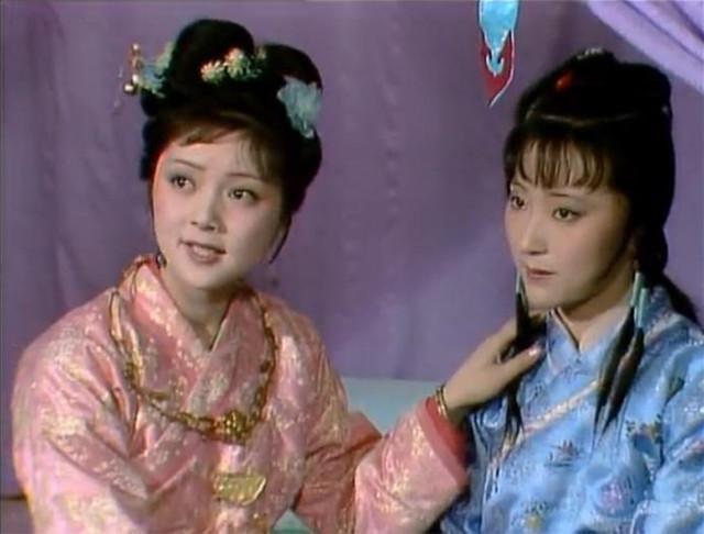 林黛玉和薛宝钗的《咏白海棠》诗,隐含着她们