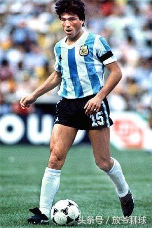 盘点阿根廷足球历史十大巨星排行榜:三人效力