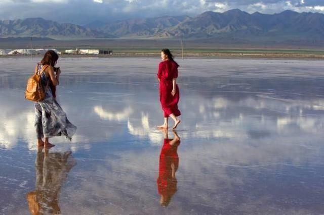 中国这个干涸多年的湖泊复流,如今面积显著增大,相当于4个西湖