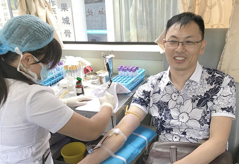 四川南充:多家单位参与无偿献血,单日超过4万
