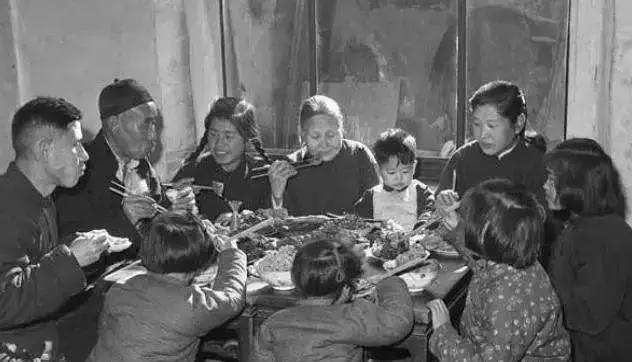50、60、70、80年代春节老照片,简单而珍贵的