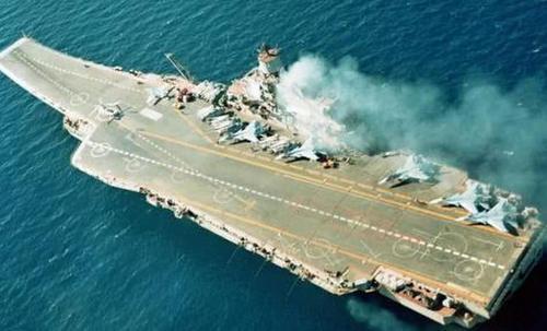 苏联留下了10艘航母,而俄罗斯仅剩下1艘,其他