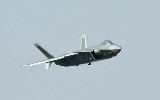 歼20已装涡扇15发动机测试 消息传出美俄全都