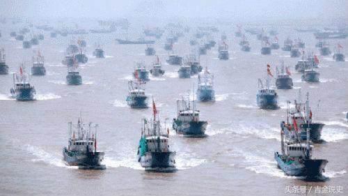 """计划横穿中国南海?中国渔船""""战队""""破了美军航母计划!"""