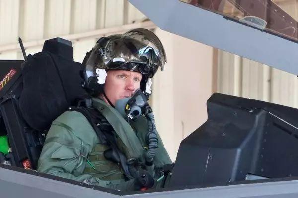 与中国同款?美国空军摔了一架不能说型号的神秘战机<strong>飞行员死亡</strong>(图)