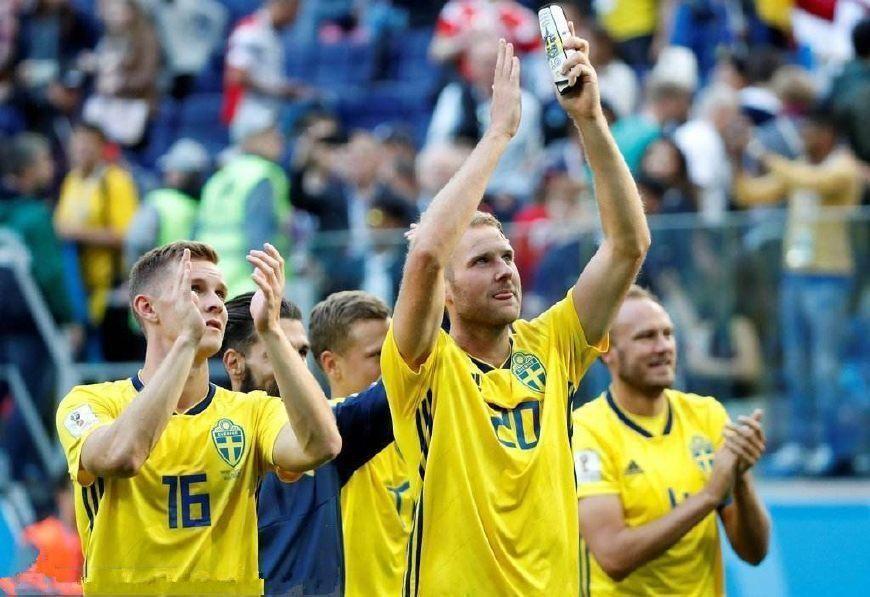 世界杯排名出炉,东道主令人意外,乌拉圭两巨星