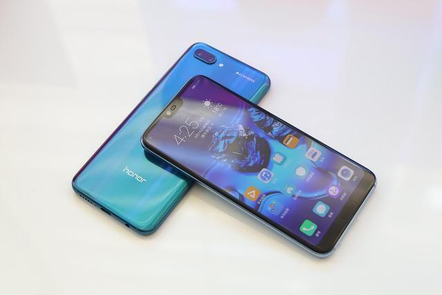 华为目前最出色的2款手机:一款大气 一款亲民