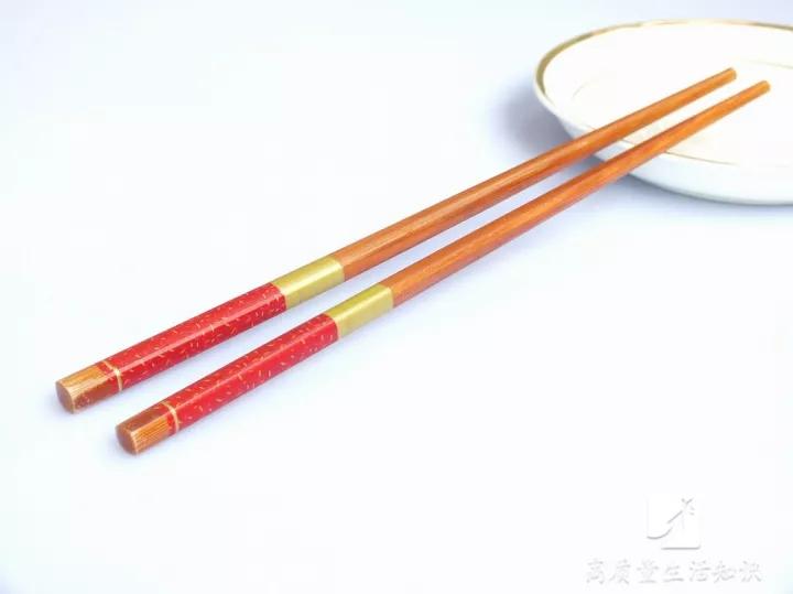 洗完筷子头朝上放还是朝下放?
