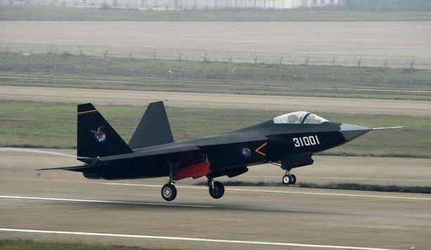 伊朗拒绝购买中国歼31,美国却不高兴!军迷难