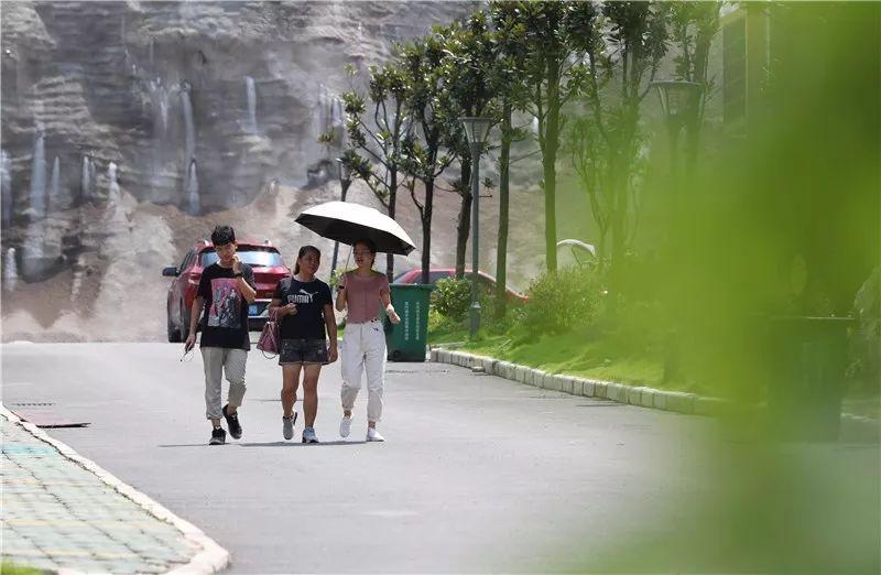 贵州玉屏:网格化管理让搬迁群众安居