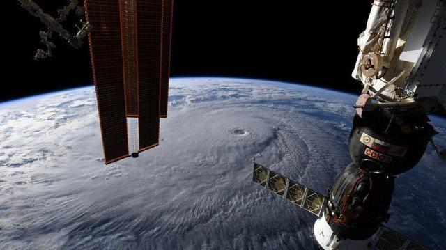 国际空间站发现更多钻痕:最狠一处戳破外部保护层,谁干的?