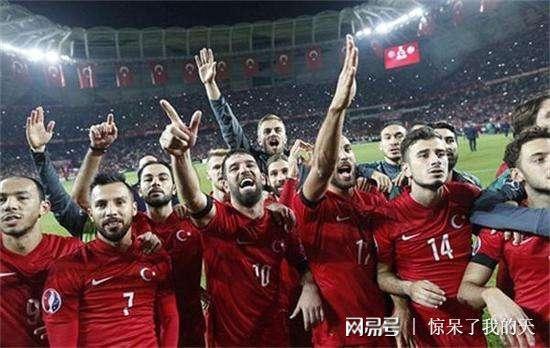 已有七个国家足协已经退出亚足联,球迷提议中