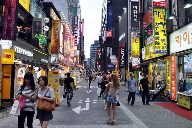 去韩国旅游中国游客数量爆减,韩国人不高兴了