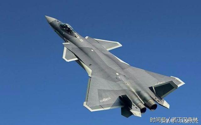 歼-20战机为何没装机炮?中国答案:我们有底气,可以不用炮!