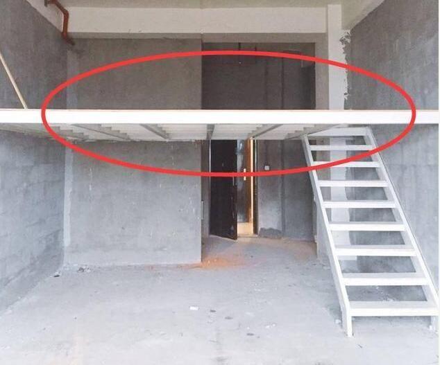 """老公将自己的房子硬改成""""小复式"""",我愣了,邻居挤爆门求教学!"""