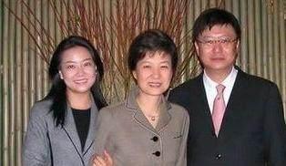 朴槿惠复仇者出现,欲翻案问罪审判长,背后有