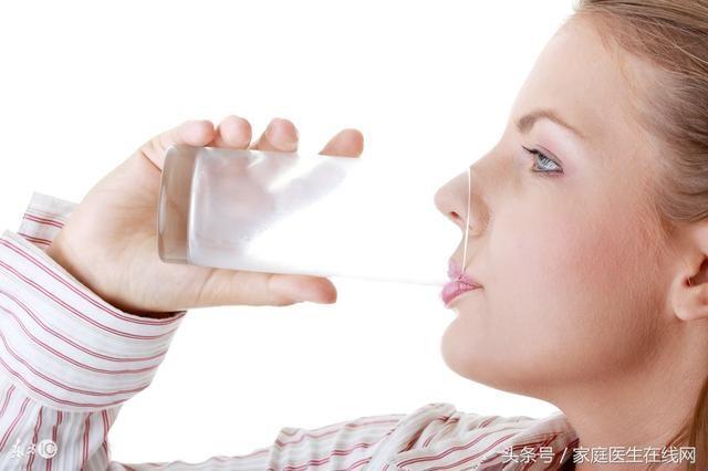 运动口渴时喝什么饮料最好?很多人都误以为是